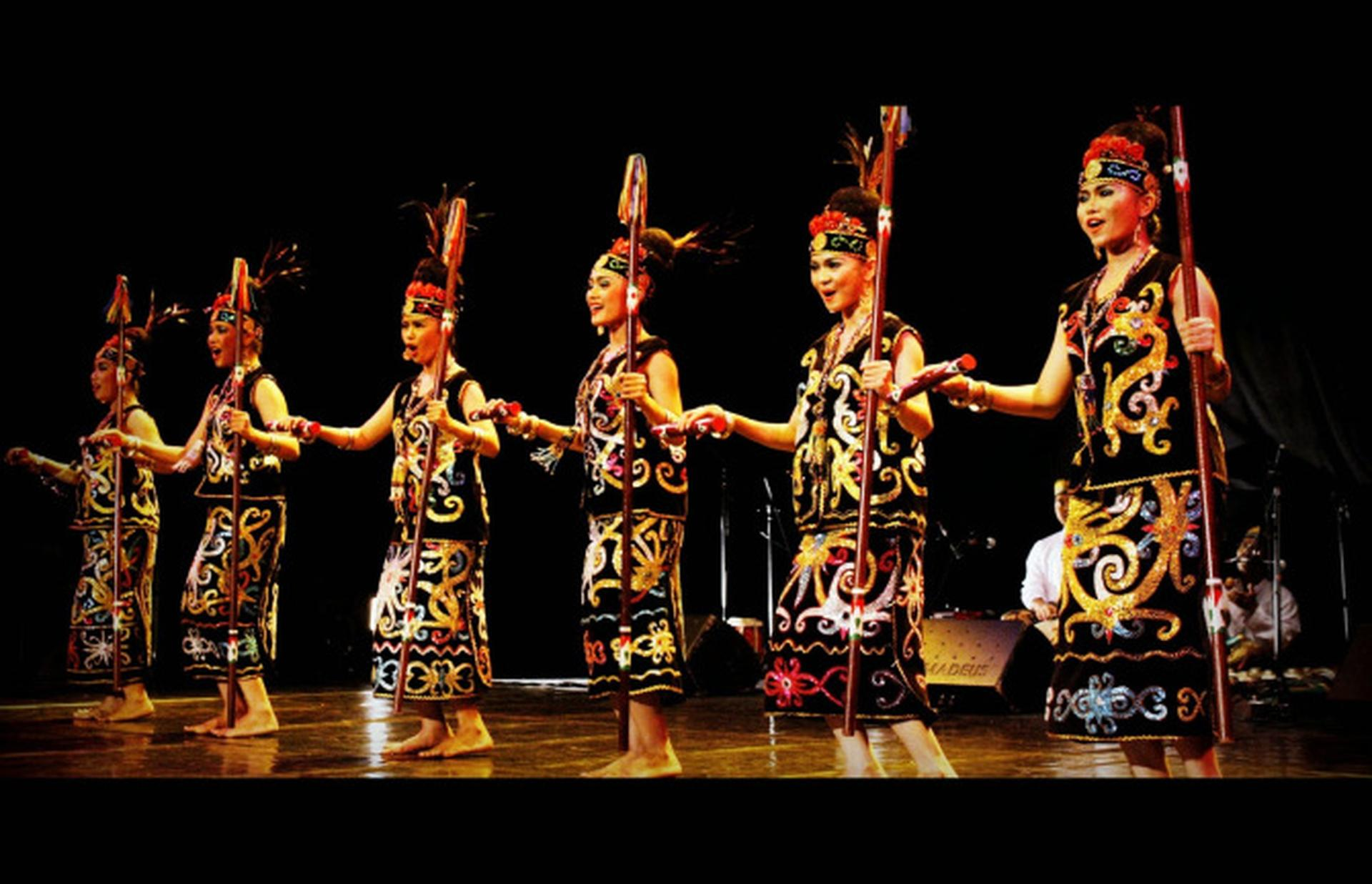Tari Gantar Kalimantan Timur