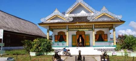 Objek Wisata Sejarah Museum Kesultanan Bulungan